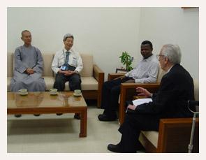 馬天賜神父和天主教台北教區宗教交談委員鮑霖神父無怨無悔推廣宗教交談