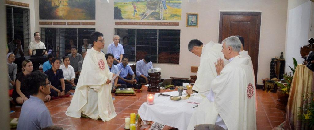 2018.08.Fr-Tae-jin-Kim-SJ-makes-his-final-vows