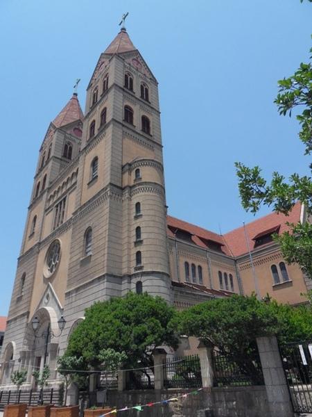 聖彌厄爾堂(青島天主堂)