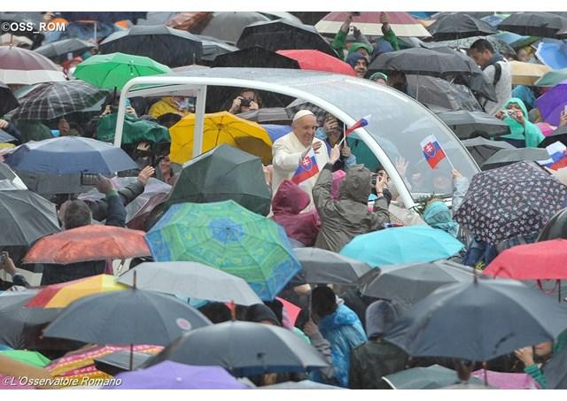 教宗公開接見:教會與家庭禍福與共,絕不遺棄家庭