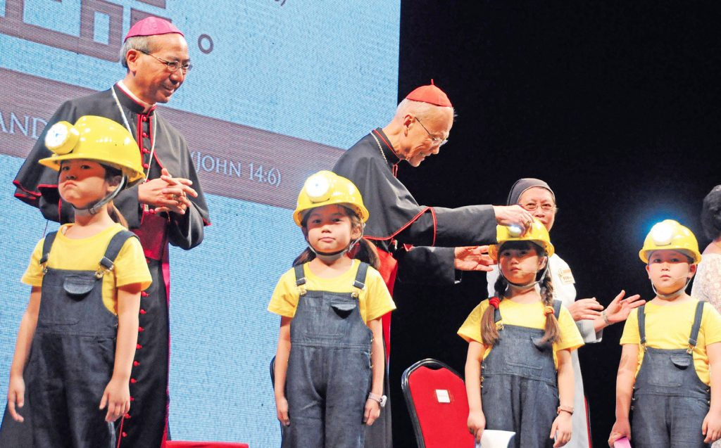 天主教學校教師日 逾萬教師出席 重申教育使命