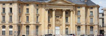 1532年 巴黎大學哲學畢業