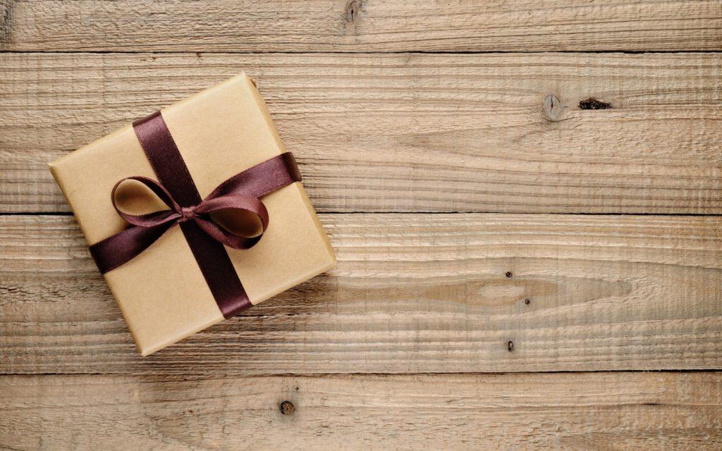6908006-gift-love