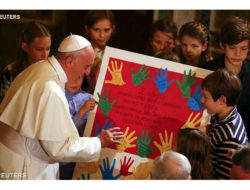 教宗訪問羅馬的信義會團體 - REUTERS