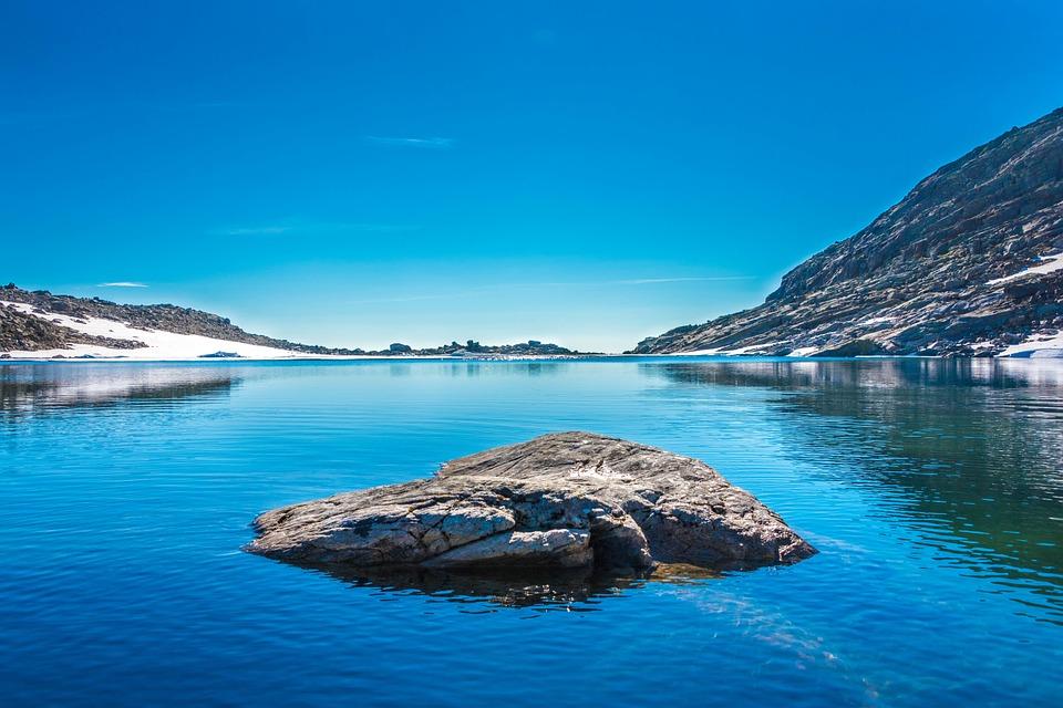 lake-1031405_960_720