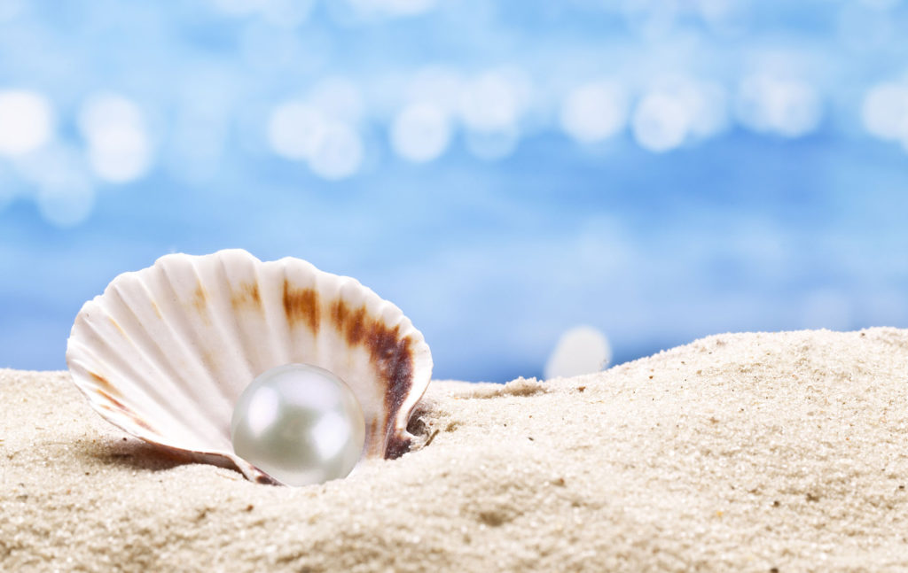 pearl-with-sea