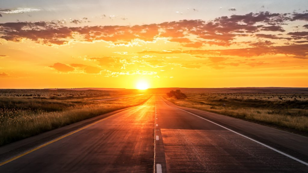 road_sunset_marking_grass_102104_3840x2160