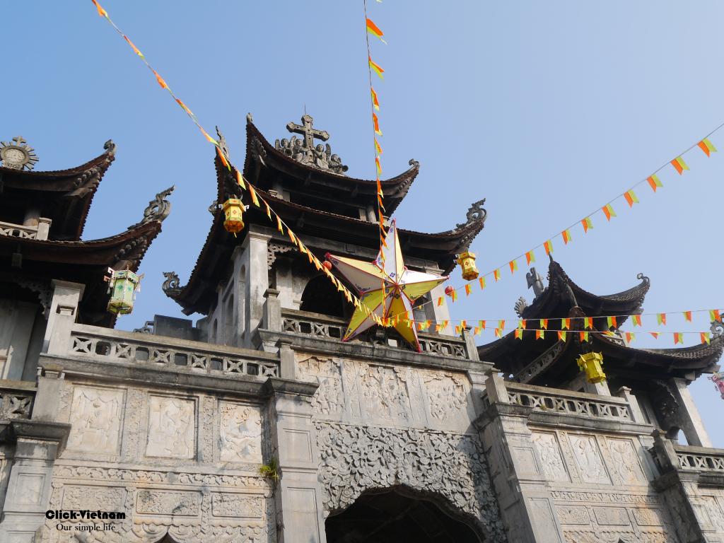 寧平發艷教堂Giáo Phận Phát Diệm(又名石教堂,Nhà thờ đá) 地址:75 Phát Diệm Đông, Kim Sơn, Ninh Bình