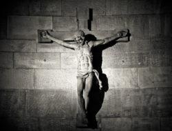 Michael-Gaida-CC0-Amended-2017-Cross-1979473_1920-Pixabay-Crucifix
